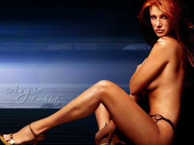 Tapeta: Angie Everhart