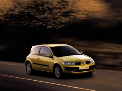 Tapeta: Autor Renault 5