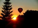 Tapeta balón při západu slunce