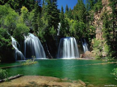Tapeta: Bouřící vodopády 4