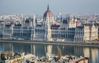 Tapeta: Budova parlamentu, Budapešť