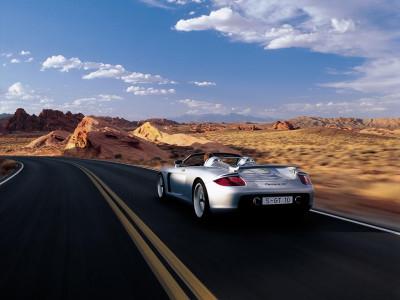 Tapeta: Carrera GT na poušti