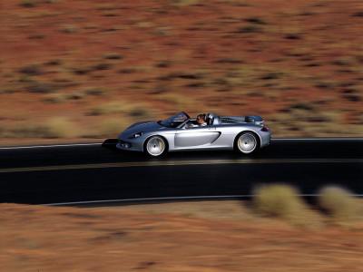 Tapeta: Carrera GT na poušti 2