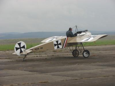 Tapeta: historické letadlo 2