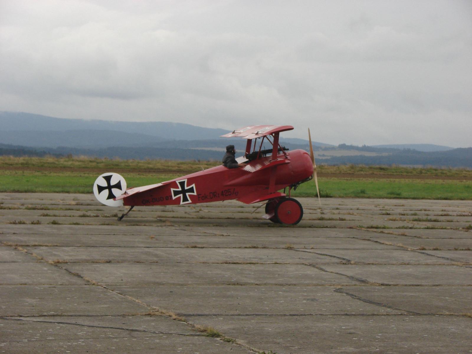 Tapeta historycke_letadlo