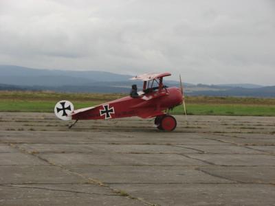 Tapeta: historycké letadlo