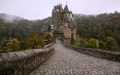 Tapeta: Hrad Eltz, Německo