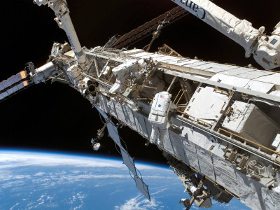 Tapeta: ISS