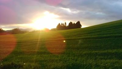 Tapeta: krajina s pozadím Ještědu