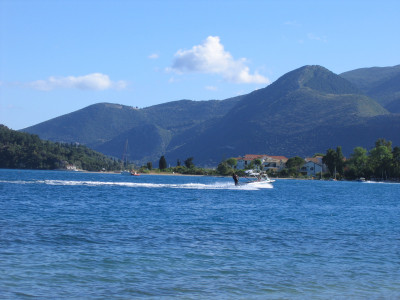 Tapeta: Laguna u Nidri