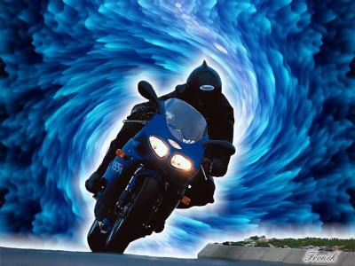 Tapeta: Modrá Motorka