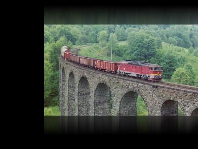 Tapeta: Nákladní vlak