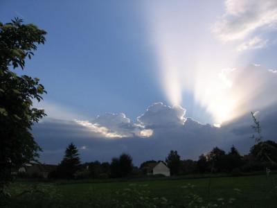Tapeta: slunce a mraky1