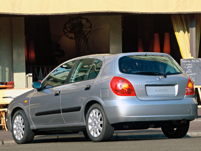 Tapeta: Nissan Almera 2