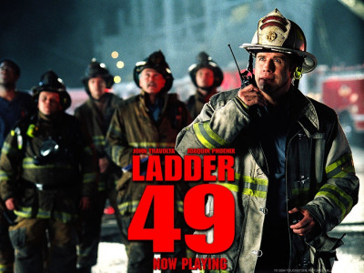 Tapeta: Okrsek 49 - u požáru