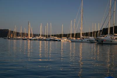 Tapeta: Spící jachty