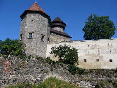 Tapeta: Tapeta hrad Sovinec