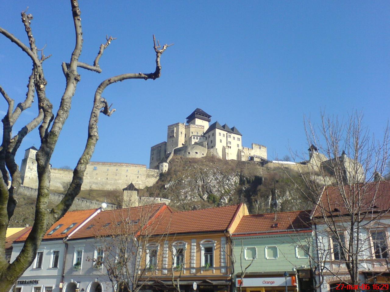 Tapeta trenciansky_hrad