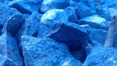 Tapeta: Vedle kamene kámen