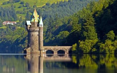 Tapeta: Věž Vyrnwy, Wales