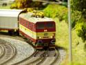 Tapeta Vlak na kolejích