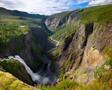 Tapeta: Vodopád V?ringfossen, Norsko