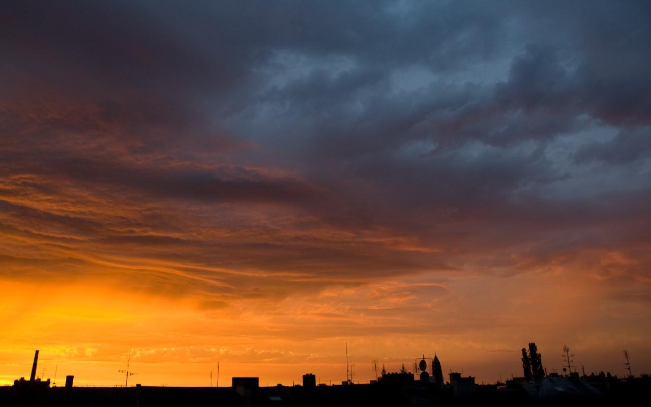 Tapeta zapad_nad_strechami
