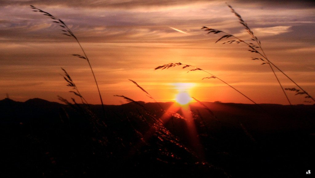 Tapeta zapad_slunce_nad_buchlovem