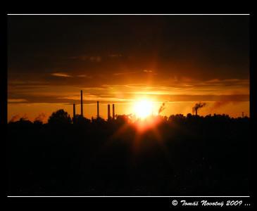Tapeta: Západ slunce nad Mittalem 3